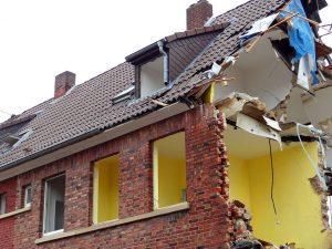 talon seinä purettu pois